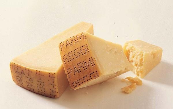 Parmigiano Reggiano 24 mesi ca 1,1 kg Stücke vakum  ( Kühlartikel)